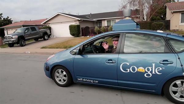 Auto s logom Google